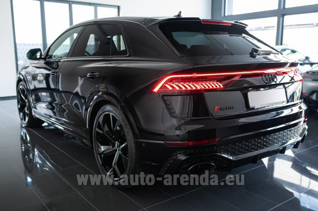 Rental Audi RS Q8 in Valencia