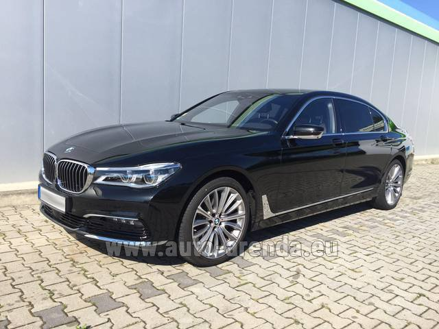 Rental BMW 740 Lang xDrive M Sportpaket Executive Lounge in Spain