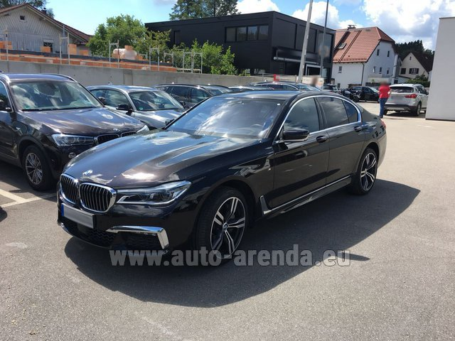 Rental BMW 750i XDrive M equipment in San Sebastian