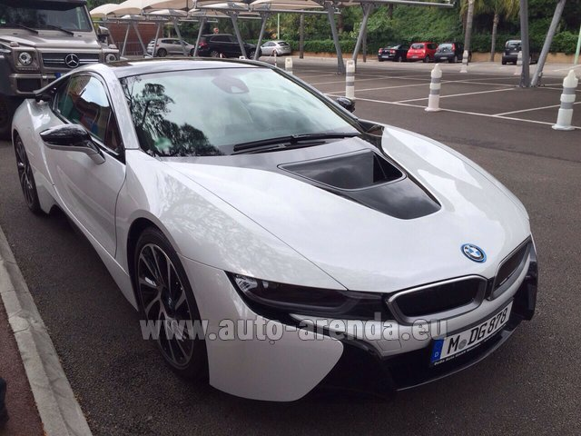 Rental BMW i8 Coupe Pure Impulse in Malaga