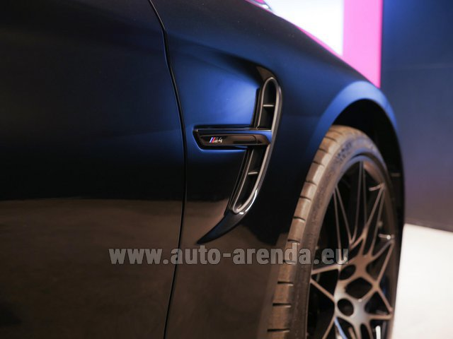 Rental BMW M4 Cabrio Performance Individual in Fuengirola