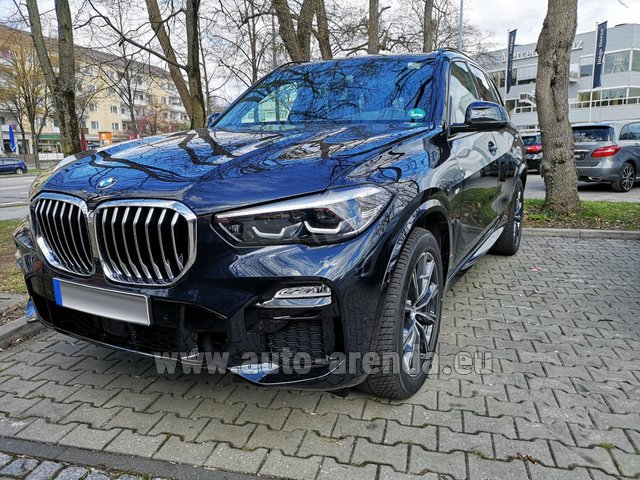 Rental BMW X5 xDrive 30d in Valencia