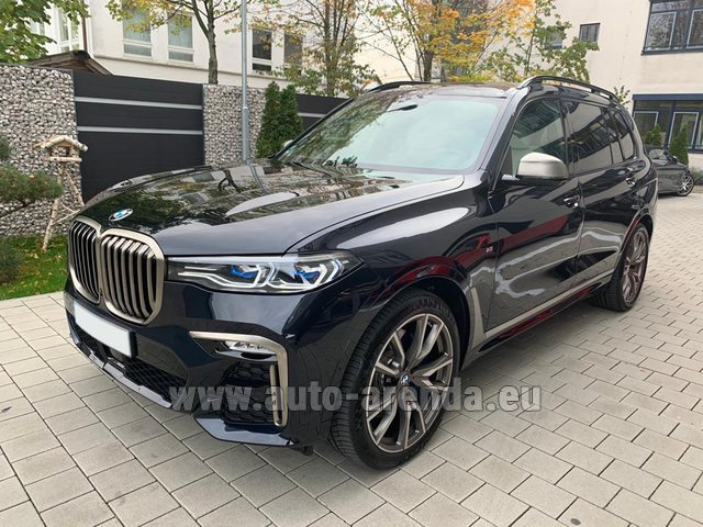 Rental BMW X7 M50d in Spain