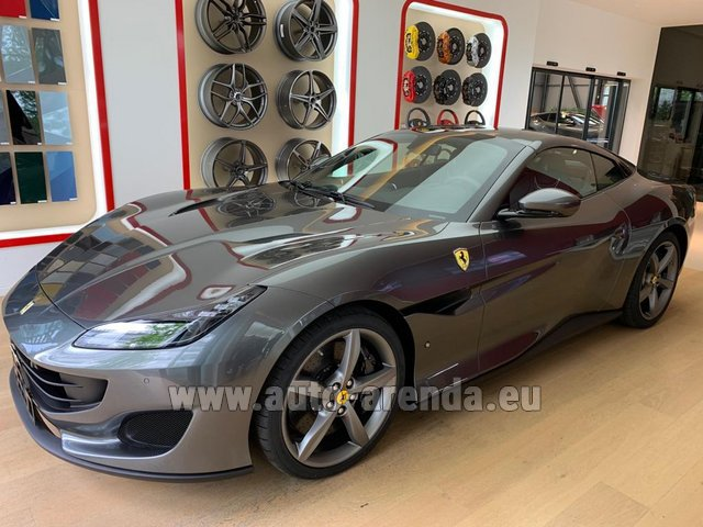 Rental Ferrari Portofino in Barcelona