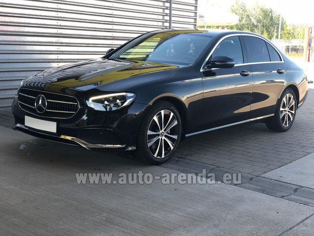 Rental Mercedes-Benz E220 diesel AMG equipment in Spain
