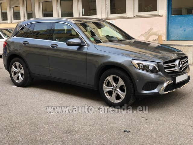 Rental Mercedes-Benz GLC 220d 4MATIC AMG equipment in Spain