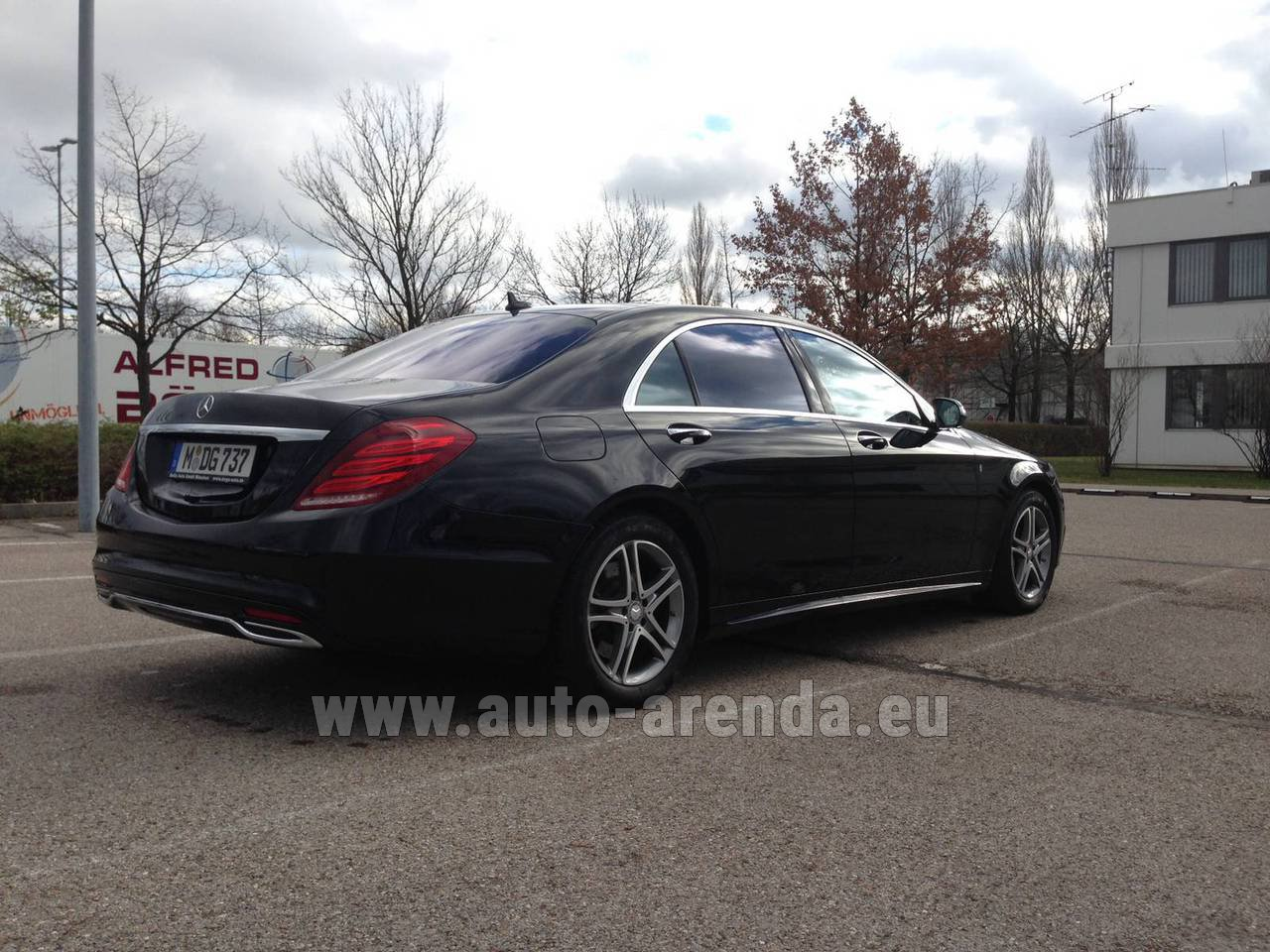 Marbella mercedes benz s 350 long diesel 4x4 amg rental for Mercedes benz rental prices