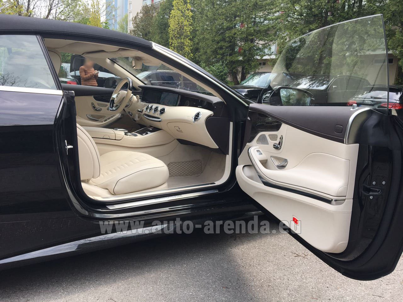 Spain mercedes benz s class s500 cabriolet rental for Mercedes benz rental prices
