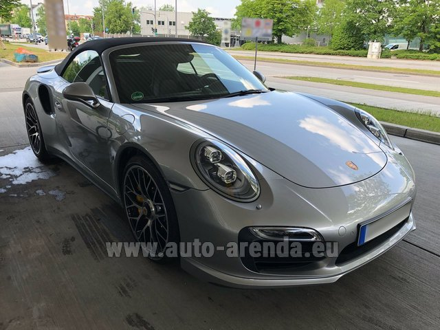 Rental Porsche 911 991 Turbo S in Fuengirola