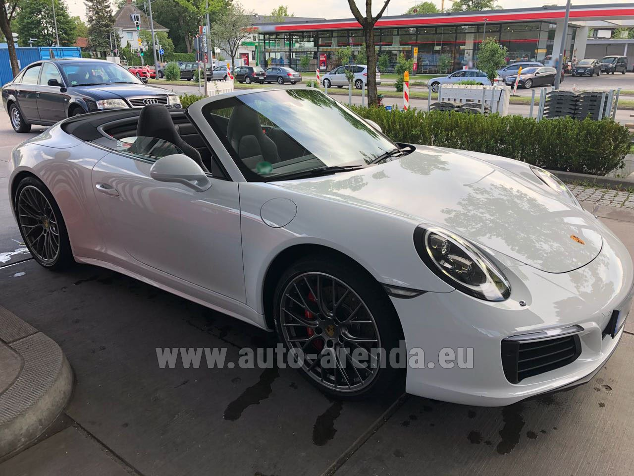 rent the porsche 911 carrera 4s cabrio white car in majorca. Black Bedroom Furniture Sets. Home Design Ideas