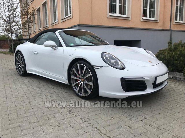 Rental Porsche 911 Carrera 4S Cabrio in Costa del Sol