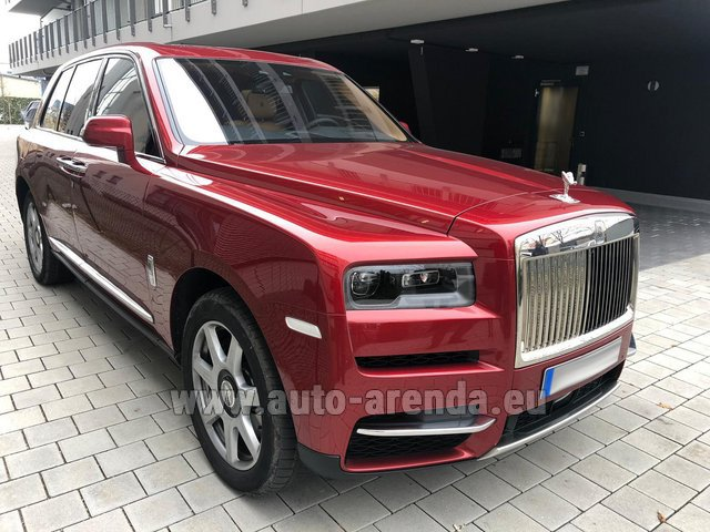 Rental Rolls-Royce Cullinan in Spain